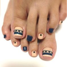 Modern stripe nail art design