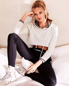 Athleisurewear also carries Romee during a flight - 13 x the best workout looks from Romee Strijd So Sport Outfits, Casual Outfits, Fashion Outfits, Top Models, Sport Fashion, Fashion Models, Looks Academia, Actrices Sexy, Provocateur