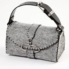 Leuke vilten tas, zelf maken? Kan met gratis patroon. Kijk in de webshop van Bij vilt enzo!