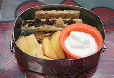 Bento Box Lunch: Day 1 Almond butter and honey sandwich Vanilla yogurt with sunflower seeds Sliced Pear Berries Using a cookie cutter, press a fun shape into 2 slices of whole wheat bread. Spread almond butter on 1 slice of bread and honey on the other, then press together. In a small container, ...