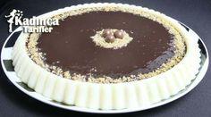 Çikolata Soslu İrmik Tatlısı Tarifi nasıl yapılır? Çikolata Soslu İrmik Tatlısı Tarifi'nin malzemeleri, resimli anlatımı ve yapılışı için tıklayın. Yazar: Sümeyra Temel