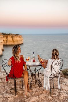 A summer I'll always remember with people I'll never forget. Cheers to new friendships and new sunsets 🥂 Always Remember, Never Forget, New Friendship, Algarve, Sunsets, Cheers, Travel Guide, Beach, Summer