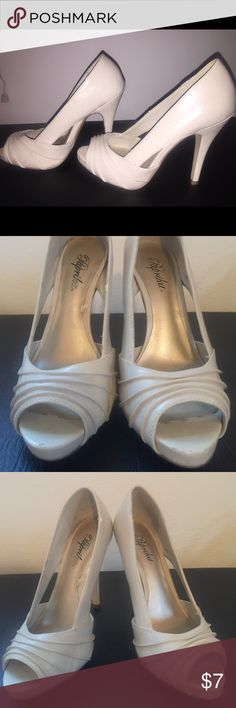 Great Neutral Stiletto's Paprika brand. Well loved. Reflected in price. 4 1/2 inches high. 1/4 inch platform in front. Super cute! Signs of wear shown Cupid Shoes Heels