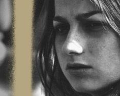 Gianna Nannini -  Vita Nuova Il bellissimo video è un amarcord della vita della cantante che ripercorre la sua vita con fotoa partire dall´infanzia.