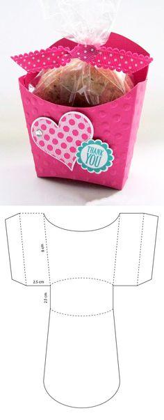 Molde de caja para una galleta Diy Gift Box, Diy Box, Diy Gifts, Diy Crafts Hacks, Diy Home Crafts, Handmade Gifts For Boyfriend, Paper Box Template, Cool Paper Crafts, Creative Box