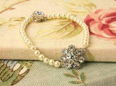 £20 pear bracelet for mum or me