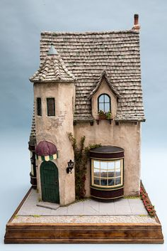 Good Sam Showcase of Miniatures: New from dealers Clay Houses, Ceramic Houses, Paper Houses, Ceramic Clay, Miniature Rooms, Miniature Houses, Pottery Houses, Fantasy House, Fairy Garden Houses