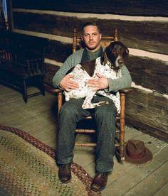 【画像】トム・ハーディと犬の戯れ画像がたまらない件 | まとめアットウィキ