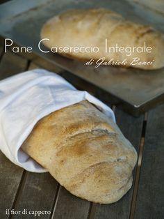Pane integrale di Gabriele Bonci che prevede un'alta idratazione (70%) e una lunga lievitazione in frigorifero. Con pasta madre o lievito di birra.