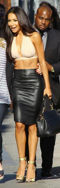 or Hmm…: Naya Rivera's Jimmy Kimmel Live Norma Kamali Beige Halter Bra Top and Black Leather Pencil Skirt Celebrity Dresses, Celebrity Style, Skirt Fashion, Love Fashion, Black Leather Pencil Skirt, Nude Tops, Naya Rivera, Leather Dresses, Black Leather Handbags