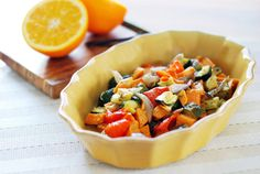 Roasted Vegetable Salad with Orange Vanilla Vinaigrette Paleo Vegetables, Roasted Vegetables, Veggies, Healthy Food Blogs, Healthy Salad Recipes, Vegetarian Recipes, Vegetarian Salad, Ramen, Roasted Vegetable Salad