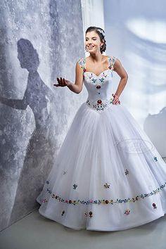 35- tüllös, hercegnős esküvői ruha kalocsai mintával