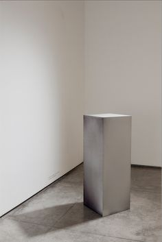 Rashid Rana, 'A plinth from a gallery in Lahore', 2010-2011, inkjet UVprint on aluminum, 36 x 36 x 100 cm. Image courtesy the artist, Anil Rane, Chemould Prescott Road and ChatterjeeandLal.