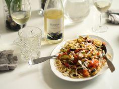 Veggie pasta with white wine & parmesan // pic eevakolu.fi