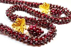 Items similar to Vtg Woven Tube Pomegranate Rhodolite Garnet Seeds Necklace and Earings / Clips on Etsy Snake Jewelry, Eye Jewelry, Costume Jewelry Sets, Vintage Costume Jewelry, Antique Jewelry, Vintage Jewelry, Handmade Jewelry, Garnet Jewelry, Garnet Necklace