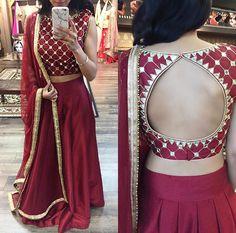 Pinterest: @pawank90 Blouse Designs High Neck, Choli Blouse Design, Saree Blouse Designs, Indian Fashion Trends, Indian Designer Outfits, Lehenga Designs, Velvet Saree, Lehenga Blouse, Lehenga Choli