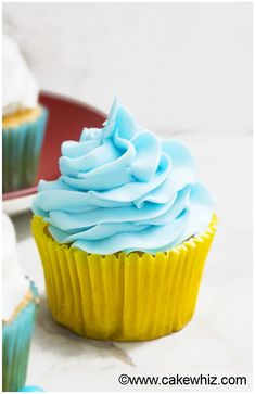 White Chocolate Buttercream Frosting Recipe (Easy with 2 Ingredients) 2