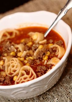 Betty Crocker Wannabe (Recipe and Mom Blog): Comfort Food - Hamburger Soup & A Meal for a Friend