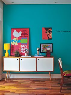 "Letting the wall color do the work. thebestlittleapartment: "" via one king design. Turquoise Walls, Teal Walls, Turquoise Kitchen, Mid Century Furniture, Style At Home, Interiores Design, Home Fashion, House Colors, Colorful Interiors"