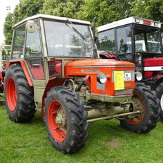 Vintage Tractors, Old Tractors, Classic Tractor, Parcs, Cars And Motorcycles, Farming, Techno, Childhood, Vehicles