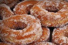 Feliz viernes!! Vamos a preparar unas rosquillas. Te apuntas?? http://eldesvandevicensi.blogspot.com.es/2014/08/rosquillas-de-anis.html