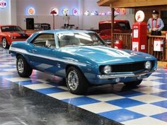 168884_11027679_1969_Chevrolet_Camaro+Yenko.jpg (700×525)