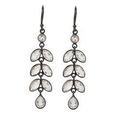 Sort sølv ørehængere med marquise-formede hvid topas ædelsten