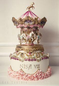 Your Daily Dosage of Cakes Carousel Cake by Kek Couture …See the cake… Gorgeous Cakes, Pretty Cakes, Cute Cakes, Amazing Cakes, Unique Cakes, Creative Cakes, Fondant Cakes, Cupcake Cakes, Super Torte