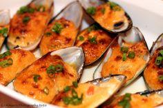 Dynamite Baked Mussels | One dozen mussels, 1/2 cup of Japanese mayonnaise (Kewpie) 2 teaspoon of Sriracha, 2 teaspoons mirin, ½ teaspoon of light soy sauce, 1 tablespoon of lemon juice, 2 tablespoons of smelt roe (masago), 1 stalk of green onions, sliced http://www.miyakoceramics.com/blog/recipe-japanese-dynamite-baked-mussels/