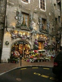 Christmas in Annecy, France (The Romantic French Chateau on Facebook)