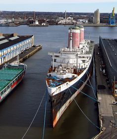 The SS United States passengewr liner is in need of some LOVE! Pictures taken from a kite above the SS United States docked on the Delaware River in Philadelphia, Pennsylvania, USA. One fast boat - 35+ knots average speed in maiden transatlantic cru Tips on how to (empower communications|video email|video presentation|video conference|video meeting|spread your image|biz opp) learn more on www.AV0409.iwowwe.com