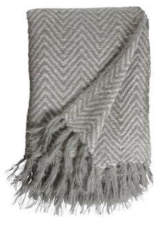 Kaat Herringbone grey Plaid House Beds, Soft Furnishings, Herringbone, Plaid, Amsterdam, Blanket, New York, Closet, Headscarves