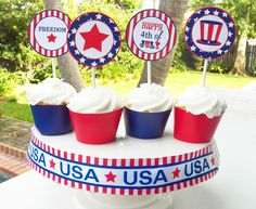 Patriotic 4th of July cupcakes!  See more party ideas at CatchMyParty.com!