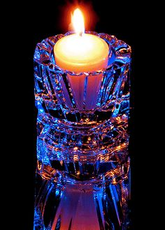 Most Beautiful Scented Candles Ever Beautiful Gif, Beautiful Candles, Best Candles, Cultura Judaica, Candles In Fireplace, Photo Candles, Candle In The Wind, Candle Lanterns, Candle Art