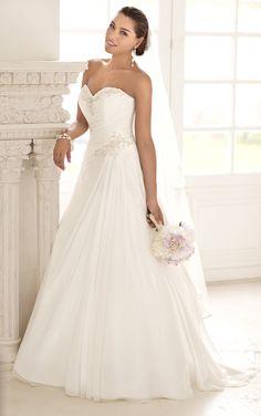 Dreamy Capri Chiffon A-line wedding gown with sweetheart neckline from Stella York (Style 5781)
