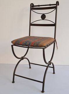 Sillas: Hierro y Barro Salta Wrought Iron Chairs, Blacksmithing, Vanity Bench, Living Room Designs, Steel, Furniture, Home Decor, Ideas, Iron Chairs