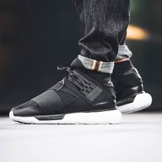 This winter the Y-3 Qasa High returns with a white Tubular midsole and a black upper. Now available! Instore and online! #solebox #soleboxberlin #soleboxmuenchen #y3 #yamamoto #y3qasa by solebox_official