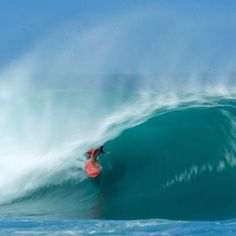 "@surfingmagazine's photo: ""@koatree_. Pipeline."