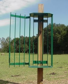 single square bale feeder