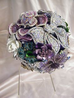 """The Rebekah"" brooch bouquet INSTEAD OF FLOWERS as a bridal bouquet...bea"