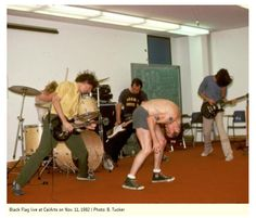 mainthreat: Black Flag live - Cal Arts November 1982 pic:b. I love the name and logo written on the chalk board behind them. Punk Rock, Henry Rollins, Places In New York, Underground Music, Heavy Metal Music, Under The Influence, Album Songs, Pop Punk, Way Of Life