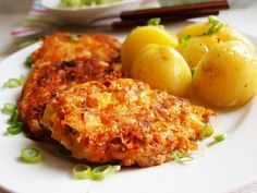 Chicken meatballs with cheese Snack Recipes, Cooking Recipes, Healthy Recipes, Czech Recipes, Ethnic Recipes, Cheese Stuffed Meatballs, Chicken Meatballs, Hungarian Recipes, Macaroni And Cheese