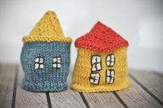 Mini knitted houses by Sah-rah (found via The House That Lars Built)