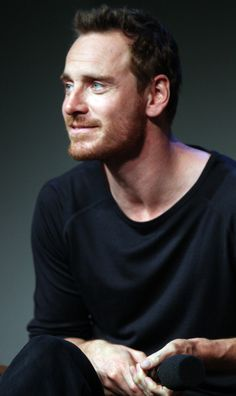 Cele|bitchy | Michael Fassbender is still doing that 'Assassin's Creed' movie: bad or good idea?