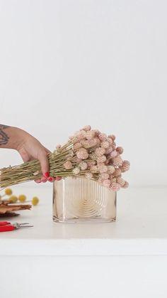 Linear Art, Decoration, Dried Flowers, Home Interior Design, Flower Designs, Floral Arrangements, Fall Decor, Easy Diy, Diy Storage