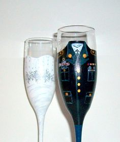 Bride and Groom Wedding Dress and Army Uniform Hand Painted Set of 2 / 6 oz. Champagne Flutes,Toasting Flutes,Wedding,/ Made to Order
