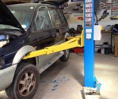 Dieser Mechaniker, der einen extrem schlechten Arbeitstag hatte. | 18 Auto-Fails, deren Anblick dir körperlich weh tun wird