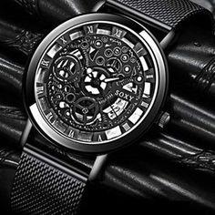 """Le mot de notre styliste """"Cette montre sort des sentiers battus de l'accessoire classique et sans histoire. Elle laisse place à la créativité et la personnalité et convient de ce fait aux personnes qui aiment les looks décalés."""""""