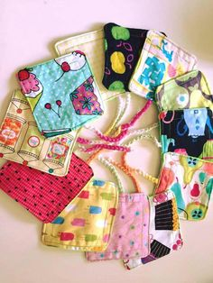 Cloth tampons -Ashlyn's Alternatives is on facebook! Period Pads, Reusable Menstrual Pads, Sewing Crafts, Sewing Projects, Days For Girls, Mama Cloth, Crochet Pouch, Operation Christmas Child, Cloth Pads