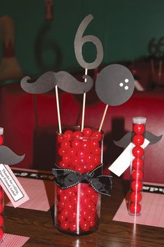 bowling-party-table-centerpiece